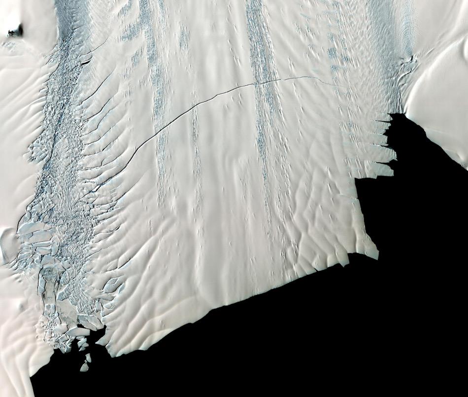 Der Pine Island Gletscher ist einer grössten Gletscher des westantarktischen Eispanzers und transportiert weltweit gesehen am meisten Eis ins Meer. Bild: NASA