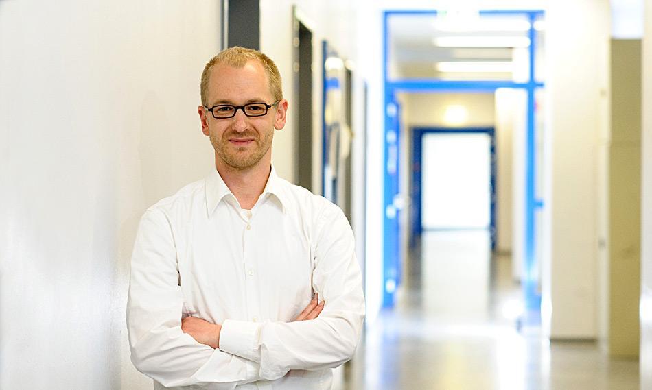 Professor Florian Leese von der Universität Duisburg-Essen leitet die Arbeitsgruppe Aquatische Ökosystemforschung im Fachbereich Biologie. Sein Hauptinteresse ist die Entstehung, Ausbreitung und Anpassung von Gewässerorganismen, u.a. auch der Asselspinnen in der Antarktis.