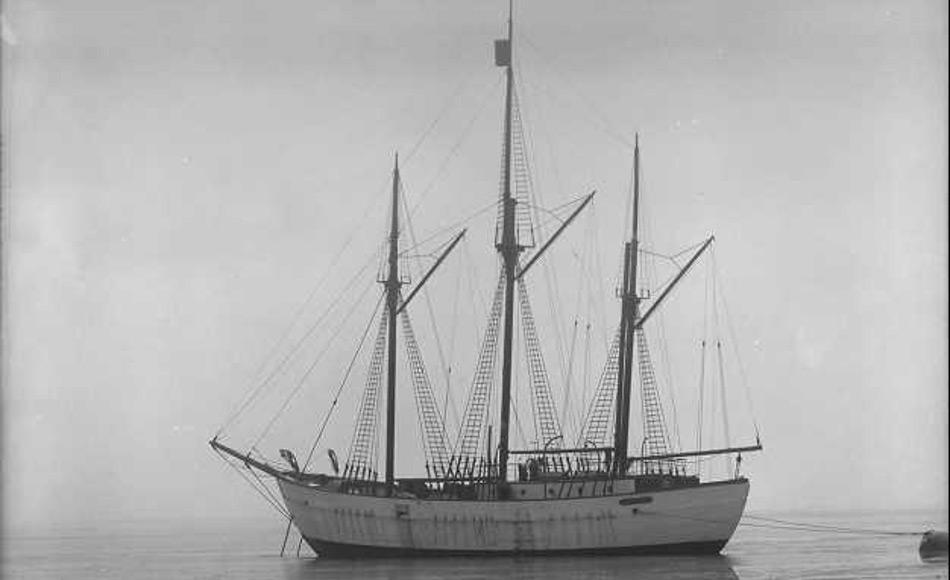 Eine historische Ansicht von Roald Amundsens Schiff Maud das 1917 erbaut wurde. Foto: Anders Beer Wilse/Norwegische Museum für Kulturgeschichte