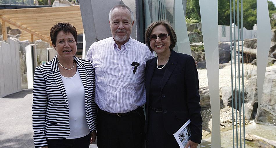 Rosamaria und Heiner Kubny mit der Direktorin des Tierparkes Schönbrunn Dr. Dagmar Schratter.